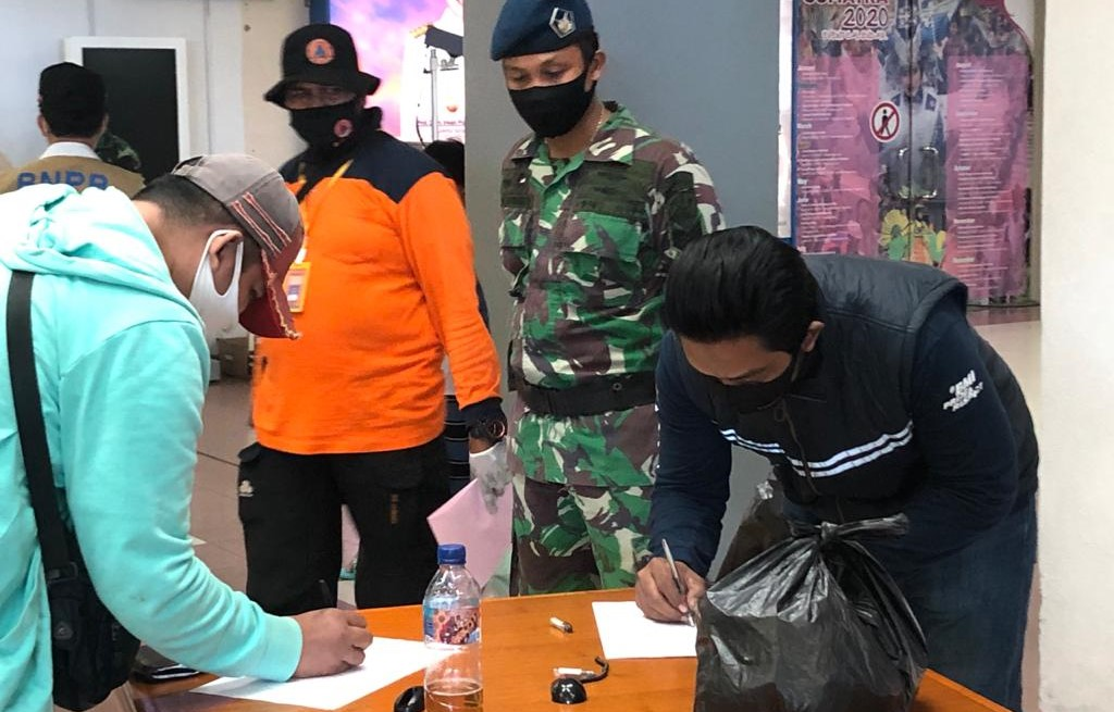 Pendataan Penumpang di Bandara Internasional Minangkabau